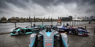 Mobil Formula E - Formula E di Monas, Jakarta resmi ditunda akibat virus corona. (www.fiaformulae.com)